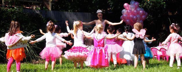 Детские конкурсы для дня рождения на улице