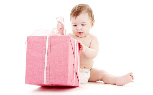 Тщательно подумайте подарки, прежде чем что-то покупать, чтобы было приятно как вам, так и вашей дочке.