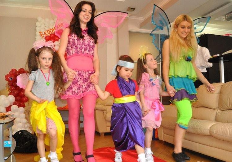 """Многие девочки любят этот сериал """"Винкс"""" и праздник можно провести в этом стиле."""