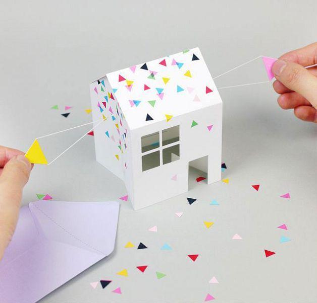 Складной бумажный домик